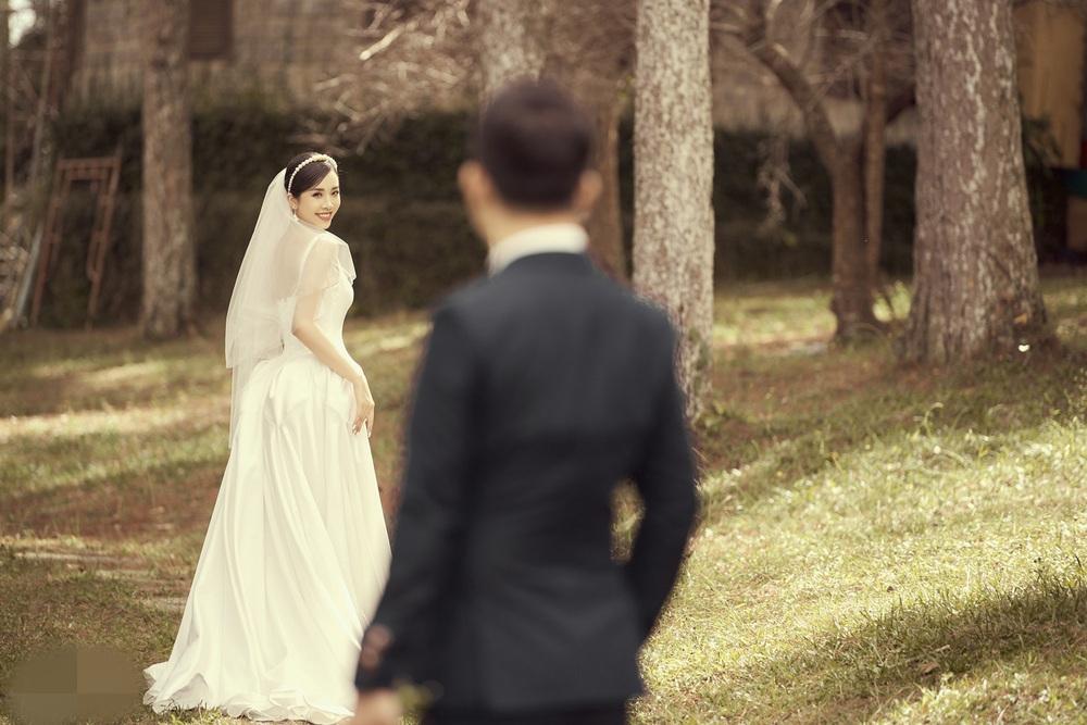Ảnh cưới tại Đà Lạt ngọt hơn mật của Á hậu Thúy An - Ảnh 2.