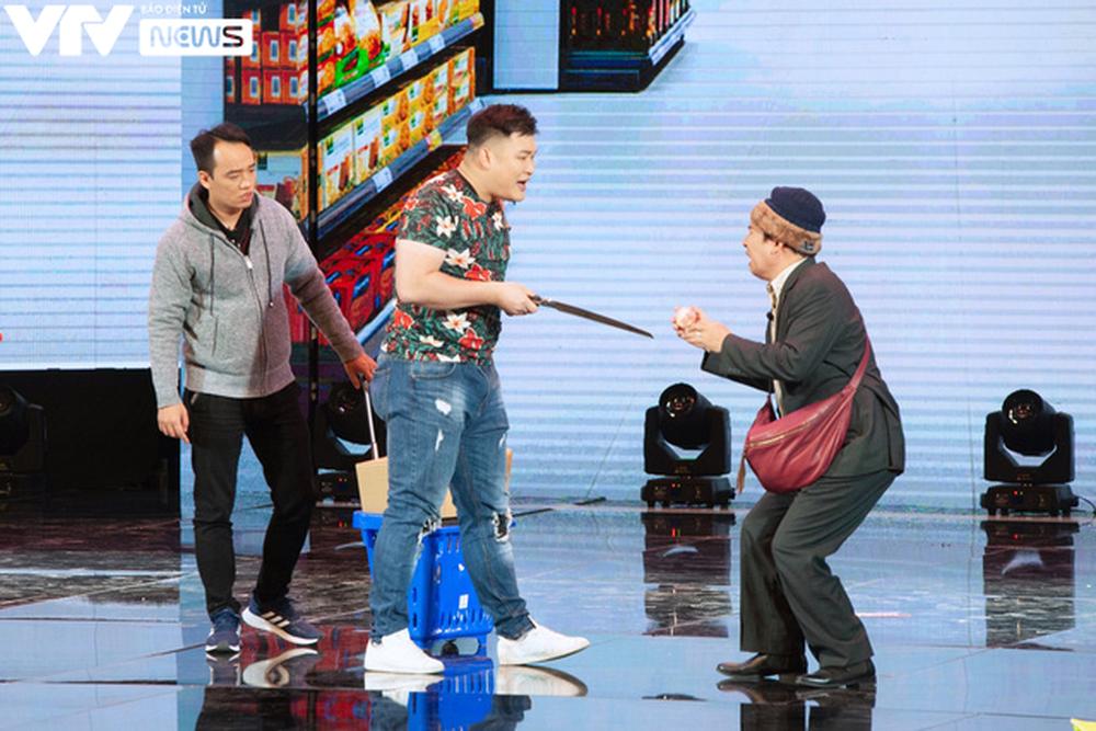 Vân Dung phát điên vì Quang Thắng tại Gala cười 2021 - Ảnh 2.