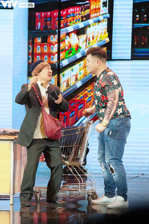 Vân Dung phát điên vì Quang Thắng tại Gala cười 2021 - Ảnh 6.