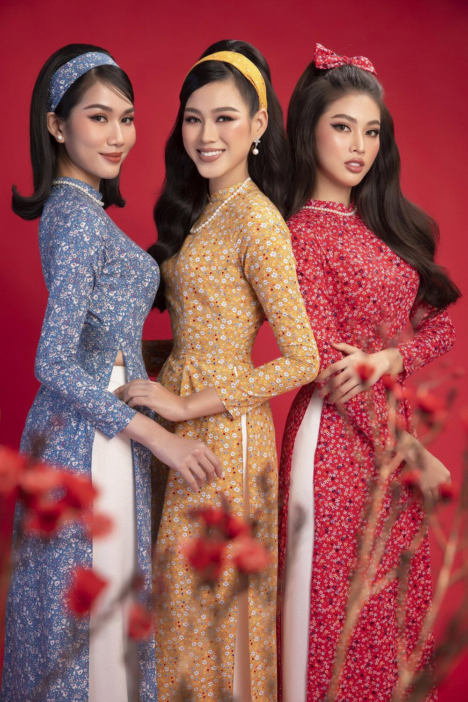Hoa hậu Đỗ Thị Hà khoe vẻ sắc sảo với áo dài retro - ảnh 3