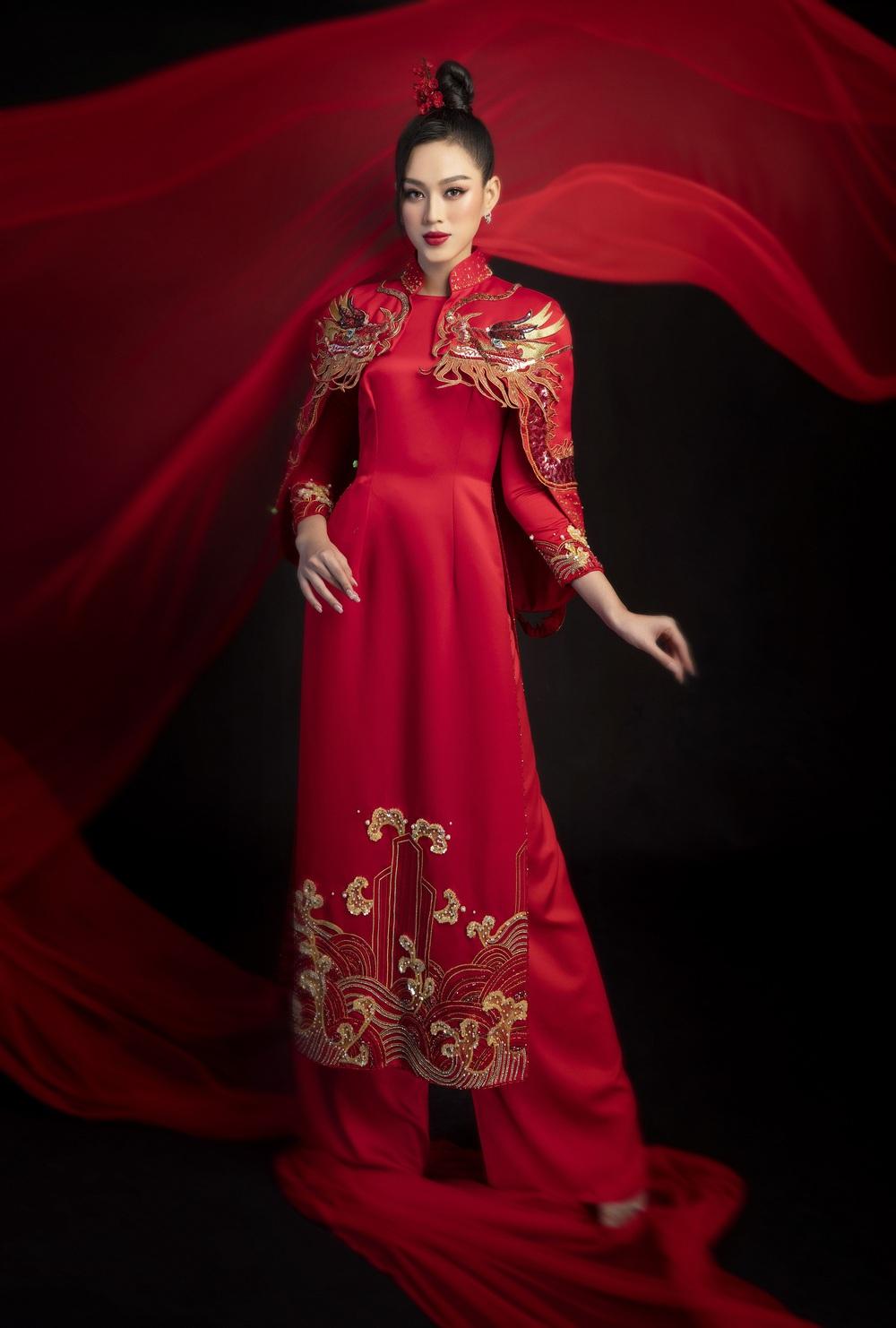 Hoa hậu Đỗ Thị Hà khoe vẻ sắc sảo với áo dài retro - ảnh 6