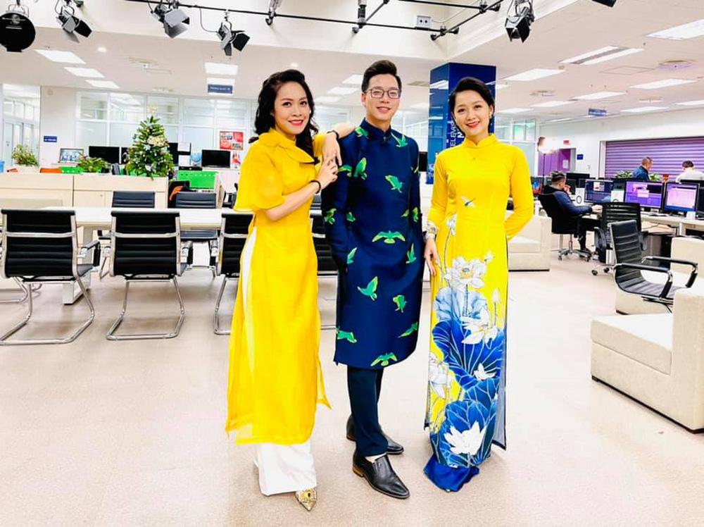 Những tà áo dài đón Xuân được các BTV diện trên sóng - Ảnh 9.