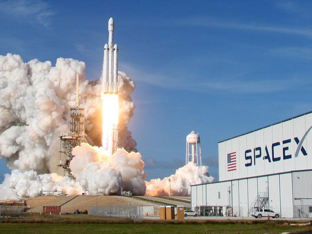 Elon Musk: Từ một đứa trẻ bị bắt nạt, nguồn cảm hứng cho Iron man, đến người giàu nhất hành tinh - Ảnh 25.
