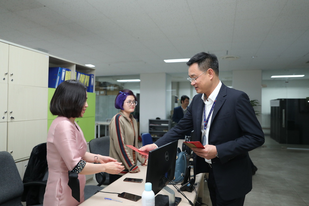 Lãnh đạo Đài THVN thăm và chúc Tết các đơn vị trong đêm Giao thừa - Ảnh 2.