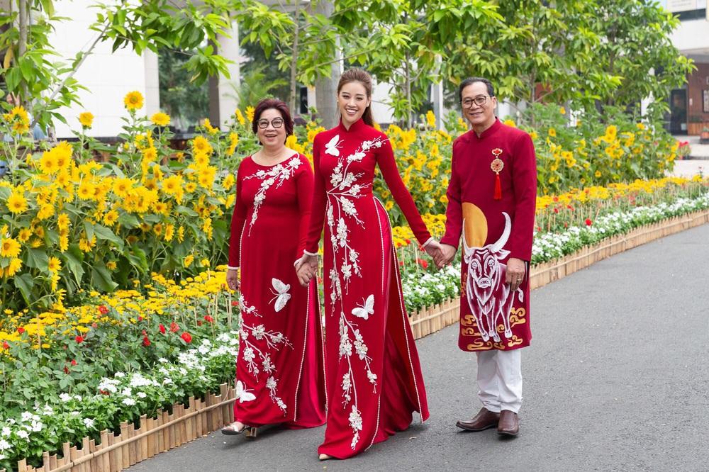 Đỗ Thị Hà và dàn Hoa hậu diện áo dài đầu xuân, ai cũng xinh đẹp ngút ngàn - Ảnh 18.