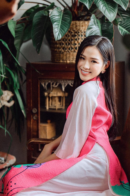 Đỗ Thị Hà và dàn Hoa hậu diện áo dài đầu xuân, ai cũng xinh đẹp ngút ngàn - Ảnh 1.