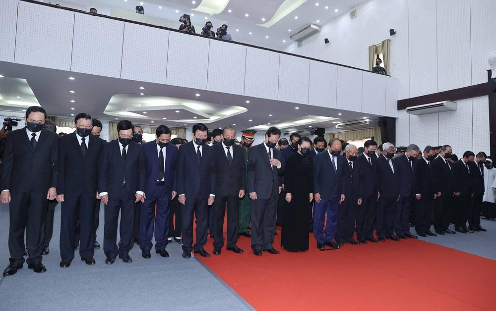 [ẢNH] Lễ viếng nguyên Phó Thủ tướng Trương Vĩnh Trọng tại Hà Nội và Bến Tre - Ảnh 14.