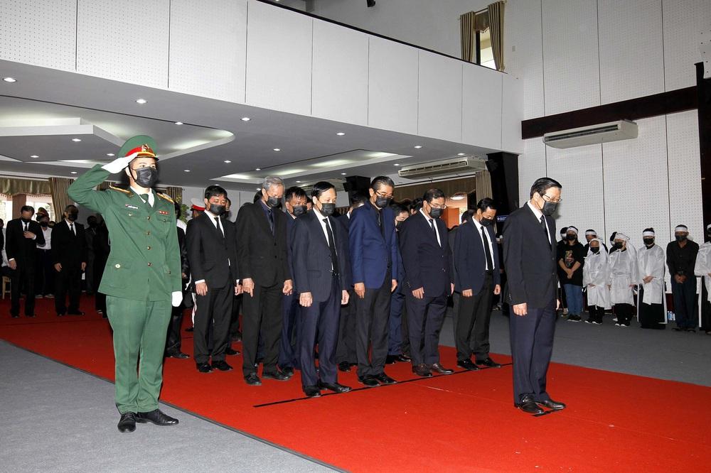 [ẢNH] Lễ viếng nguyên Phó Thủ tướng Trương Vĩnh Trọng tại Hà Nội và Bến Tre - Ảnh 20.