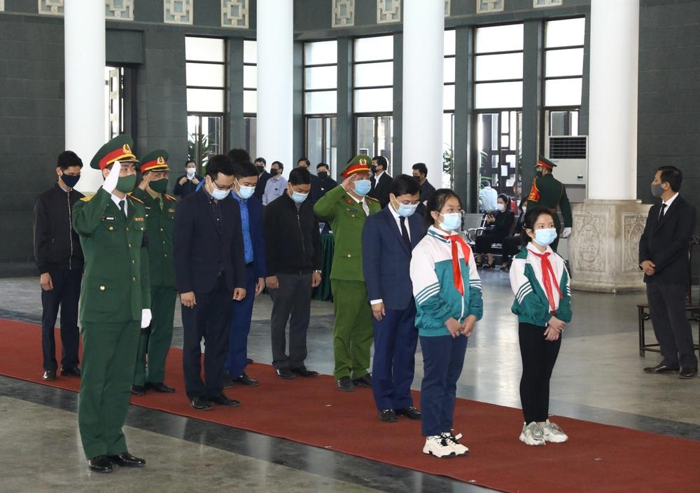 [ẢNH] Lễ viếng nguyên Phó Thủ tướng Trương Vĩnh Trọng tại Hà Nội và Bến Tre - Ảnh 12.