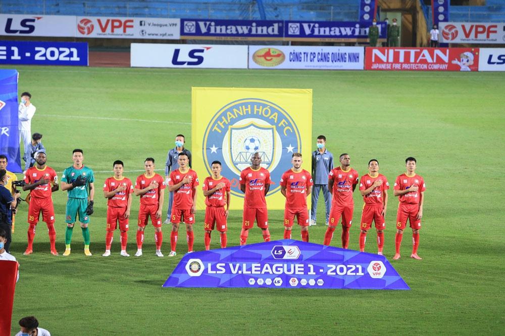 ẢNH: Nhọc nhằn vượt qua Đông Á Thanh Hoá, CLB Hà Nội có chiến thắng thứ 2 liên tiếp - Ảnh 1.