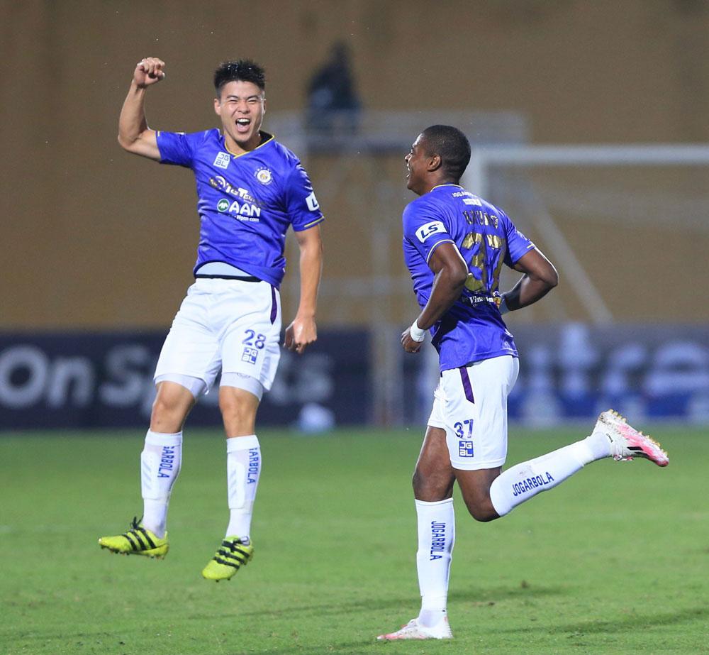 ẢNH: Nhọc nhằn vượt qua Đông Á Thanh Hoá, CLB Hà Nội có chiến thắng thứ 2 liên tiếp - Ảnh 7.