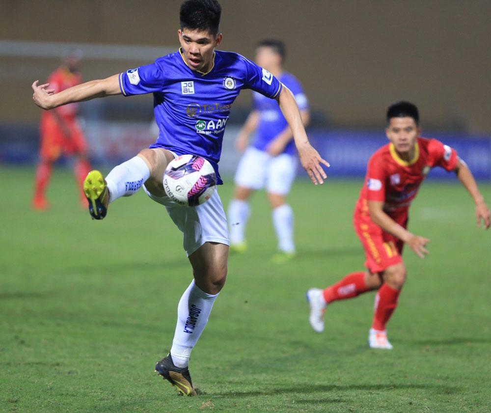 ẢNH: Nhọc nhằn vượt qua Đông Á Thanh Hoá, CLB Hà Nội có chiến thắng thứ 2 liên tiếp - Ảnh 10.