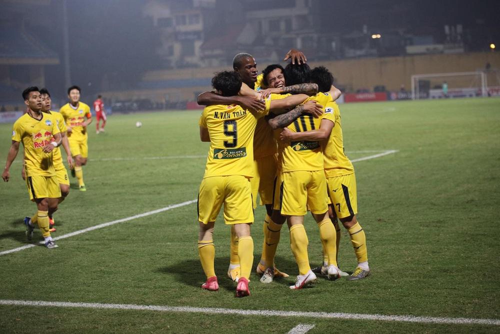 ẢNH: Công Phượng, Văn Thanh lập công, HAGL đánh bại ĐKVĐ V.League Viettel - Ảnh 16.