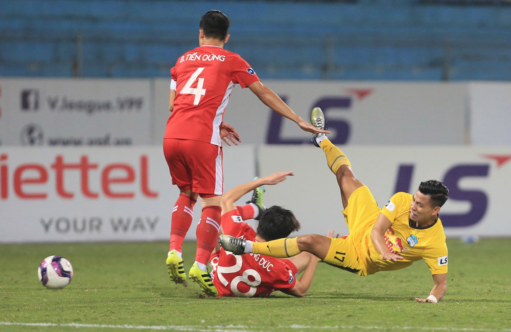 ẢNH: Công Phượng, Văn Thanh lập công, HAGL đánh bại ĐKVĐ V.League Viettel - Ảnh 2.