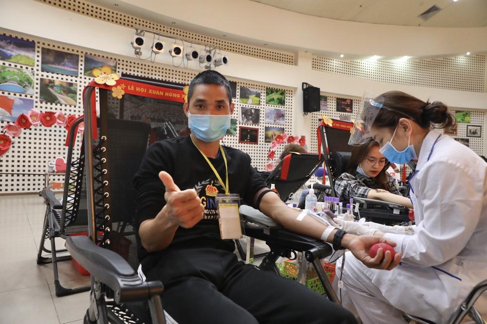 [ẢNH] Lễ hội Xuân hồng 2021: Hiến máu an toàn - Đừng ngại COVID - Ảnh 10.