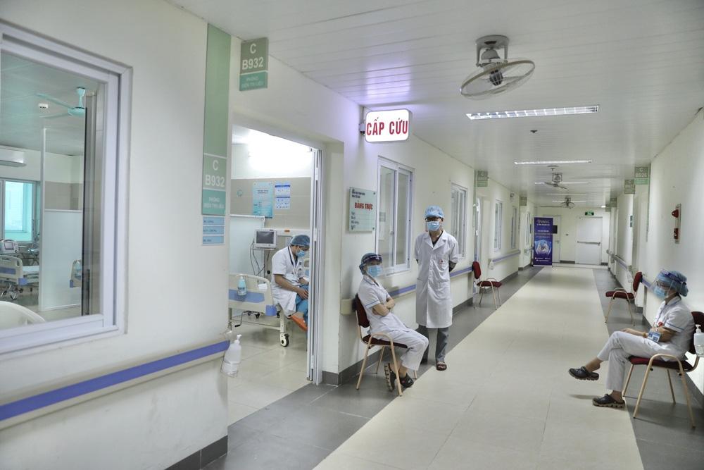 Y bác sĩ bệnh viện Thanh Nhàn tin vào độ an toàn của vaccine ngừa COVID-19 đã tiêm - Ảnh 5.