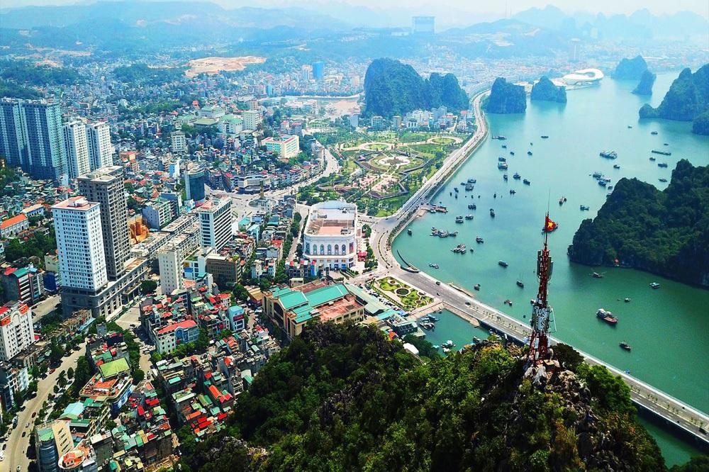 Quảng Ninh năm thứ 4 liên tiếp dẫn đầu năng lực cạnh tranh cấp tỉnh - Ảnh 1.