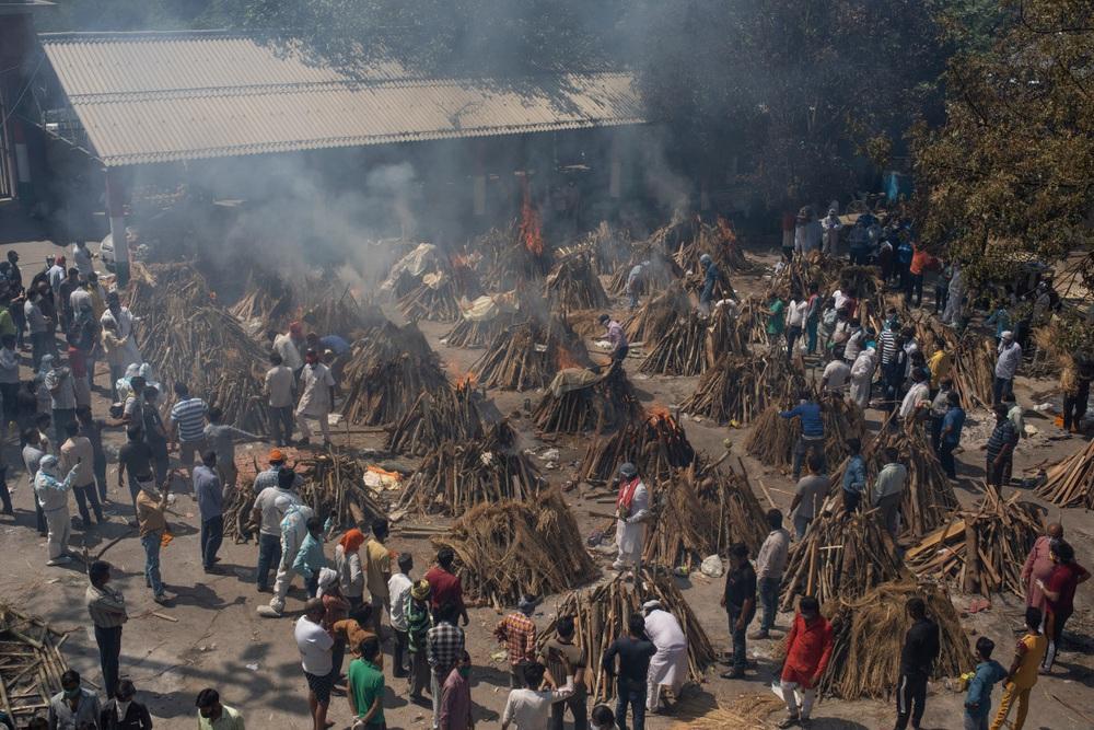 Chảo lửa COVID-19 thiêu đốt nhiều quốc gia: Lời cảnh tỉnh cho suy nghĩ dịch đã qua - Ảnh 1.