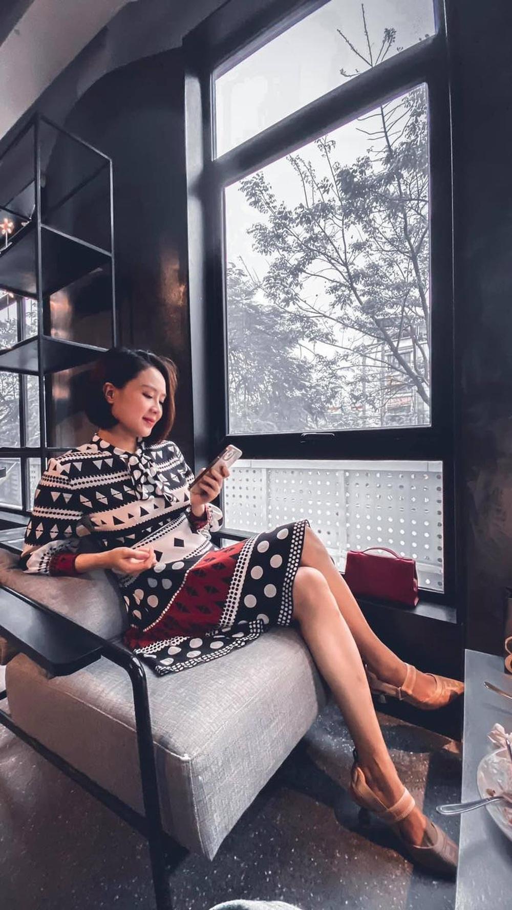 Hướng dương ngược nắng: Ngắm loạt set đồ mới đủ phong cách của Châu (Hồng Diễm) trong phần 2 - Ảnh 21.