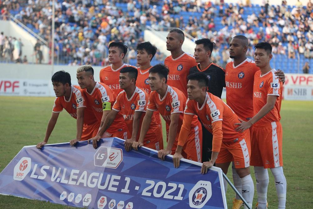 ẢNH: Hoàng Anh Gia Lai vượt qua SHB Đà Nẵng ngay tại Hoà Xuân, giành lại ngôi đầu V.League 2021 - Ảnh 3.
