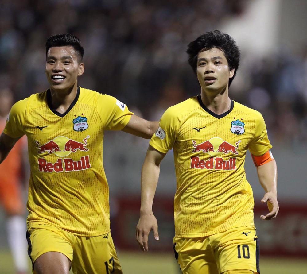 ẢNH: Hoàng Anh Gia Lai vượt qua SHB Đà Nẵng ngay tại Hoà Xuân, giành lại ngôi đầu V.League 2021 - Ảnh 13.