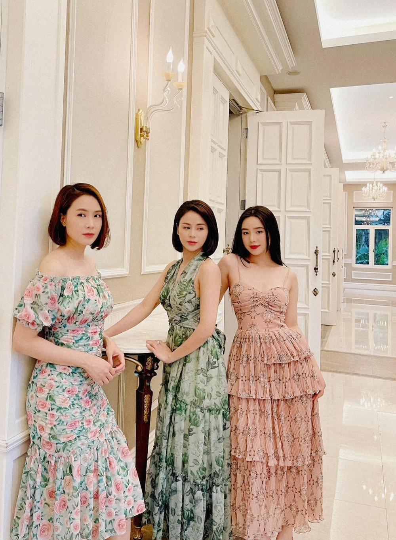 Hướng dương ngược nắng: Ngắm loạt set đồ mới đủ phong cách của Châu (Hồng Diễm) trong phần 2 - Ảnh 45.