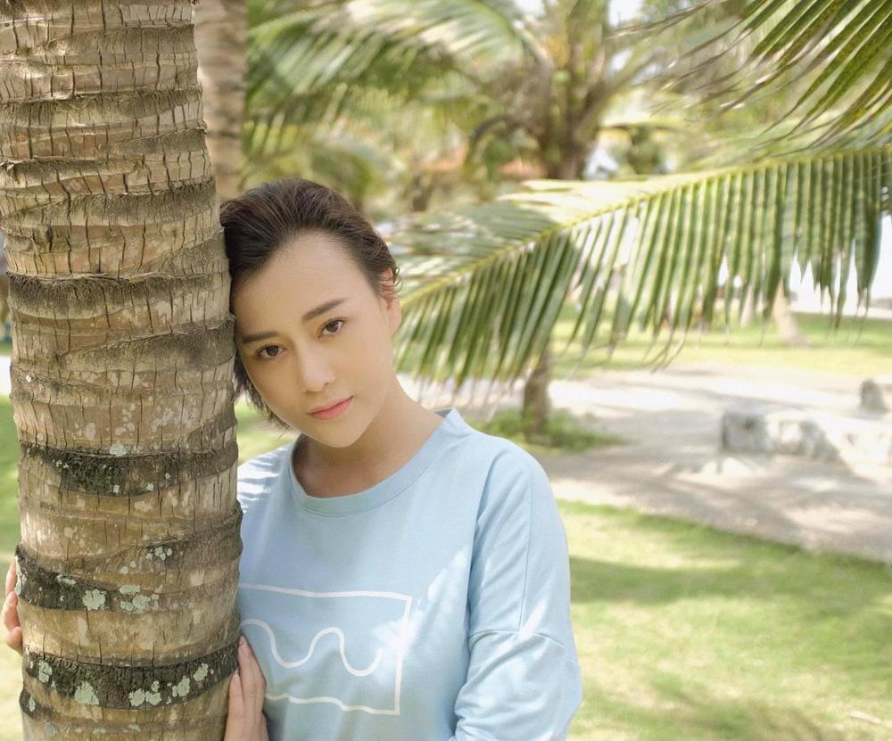 Dàn diễn viên Việt tuần qua: Quỳnh Kool hóa nữ sinh, Bảo Thanh hạ sinh con gái - Ảnh 4.