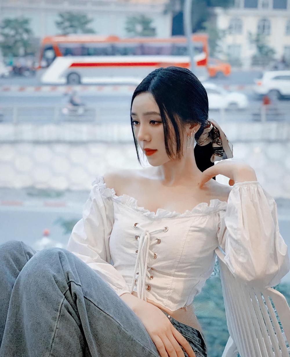 Dàn diễn viên diện đầm trễ vai: Phương Oanh, Bảo Thanh đẹp không tì vết, Hồng Diễm hack tuổi thần sầu - Ảnh 6.
