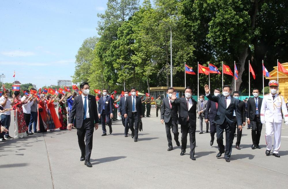 [ẢNH] Lễ đón Tổng Bí thư, Chủ tịch nước Lào Thongloun Sisoulith thăm hữu nghị chính thức Việt Nam - Ảnh 3.