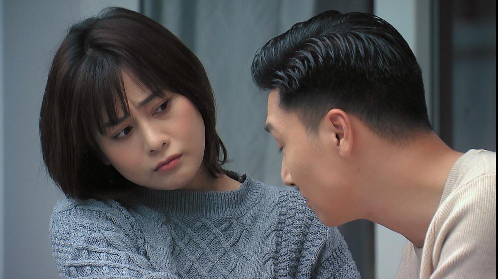 Loạt áo len nhìn là hãi của Phương Oanh khi Hương vị tình thân phát đúng thời tiết gần 40 độ - Ảnh 12.