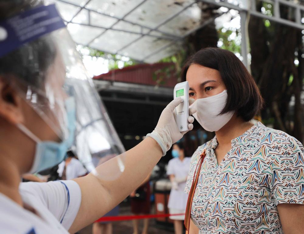 Hà Nội diễn tập phòng, chống dịch COVID-19 cho kỳ thi vào lớp 10 - Ảnh 1.