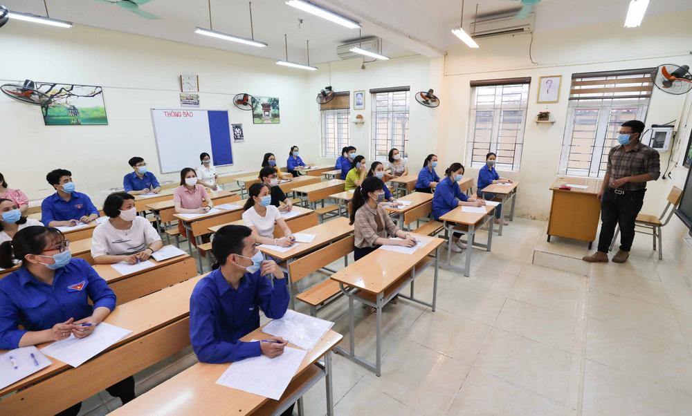 Hà Nội diễn tập phòng, chống dịch COVID-19 cho kỳ thi vào lớp 10 - Ảnh 18.