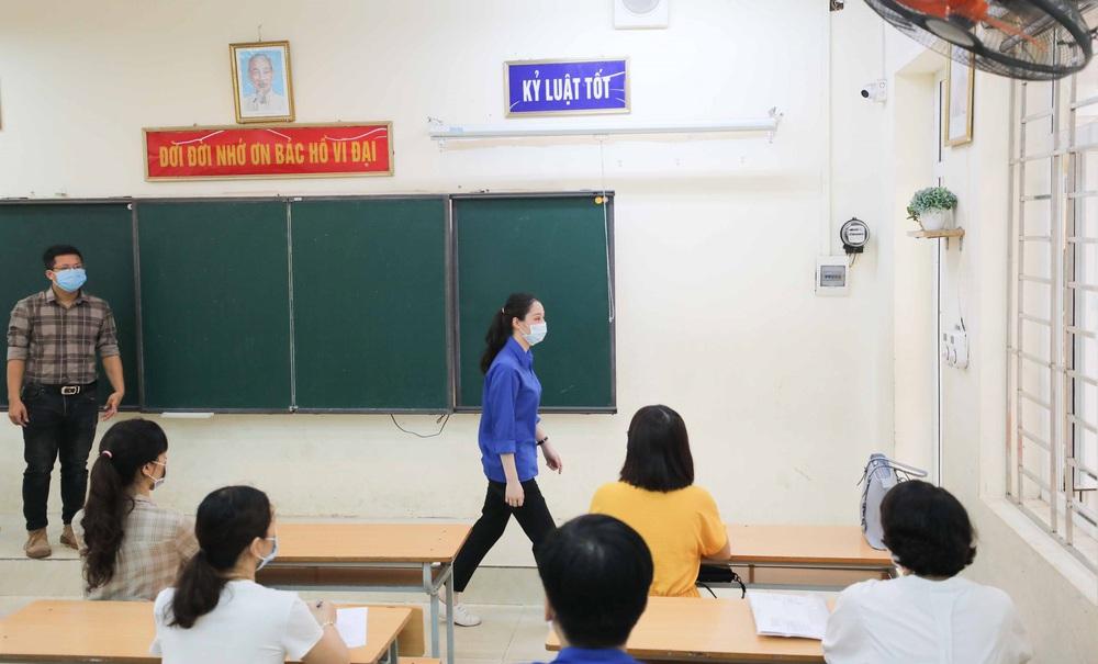 Hà Nội diễn tập phòng, chống dịch COVID-19 cho kỳ thi vào lớp 10 - Ảnh 30.