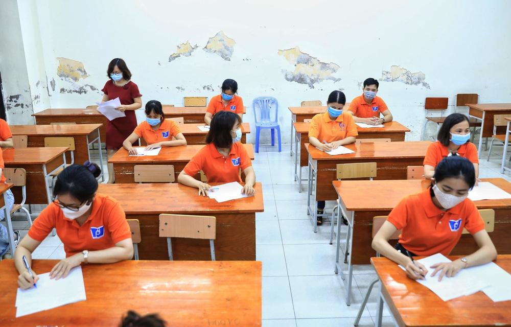 Hà Nội diễn tập phòng, chống dịch COVID-19 cho kỳ thi vào lớp 10 - Ảnh 28.