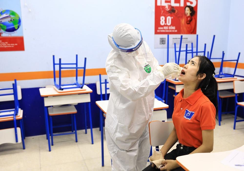 Hà Nội diễn tập phòng, chống dịch COVID-19 cho kỳ thi vào lớp 10 - Ảnh 6.