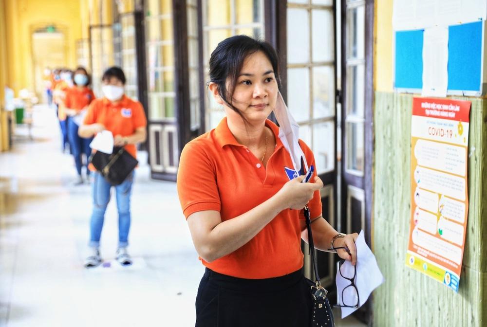 Hà Nội diễn tập phòng, chống dịch COVID-19 cho kỳ thi vào lớp 10 - Ảnh 8.