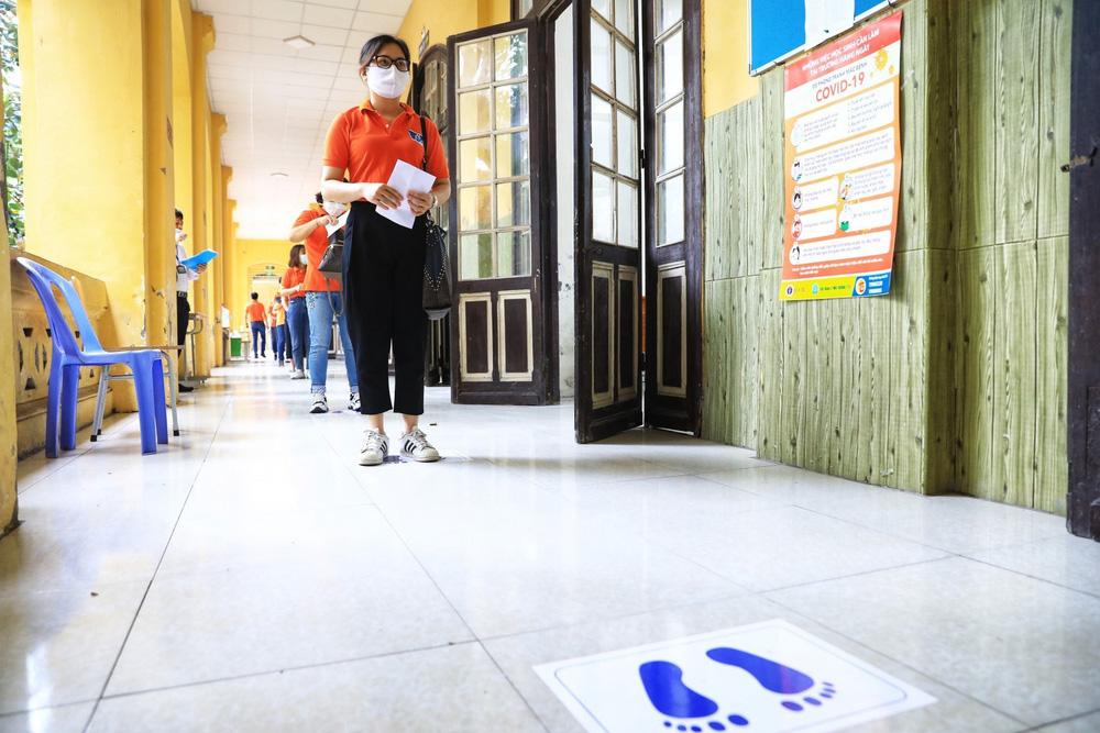 Hà Nội diễn tập phòng, chống dịch COVID-19 cho kỳ thi vào lớp 10 - Ảnh 27.