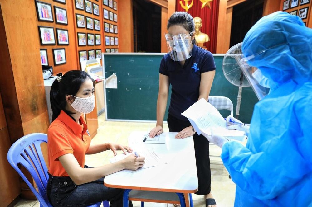 Hà Nội diễn tập phòng, chống dịch COVID-19 cho kỳ thi vào lớp 10 - Ảnh 3.