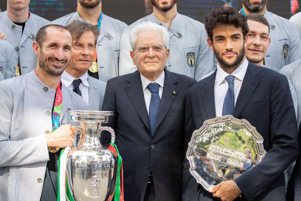 Chùm ảnh: Lễ ăn mừng hoành tráng của ĐT Italia tại Rome - Ảnh 8.