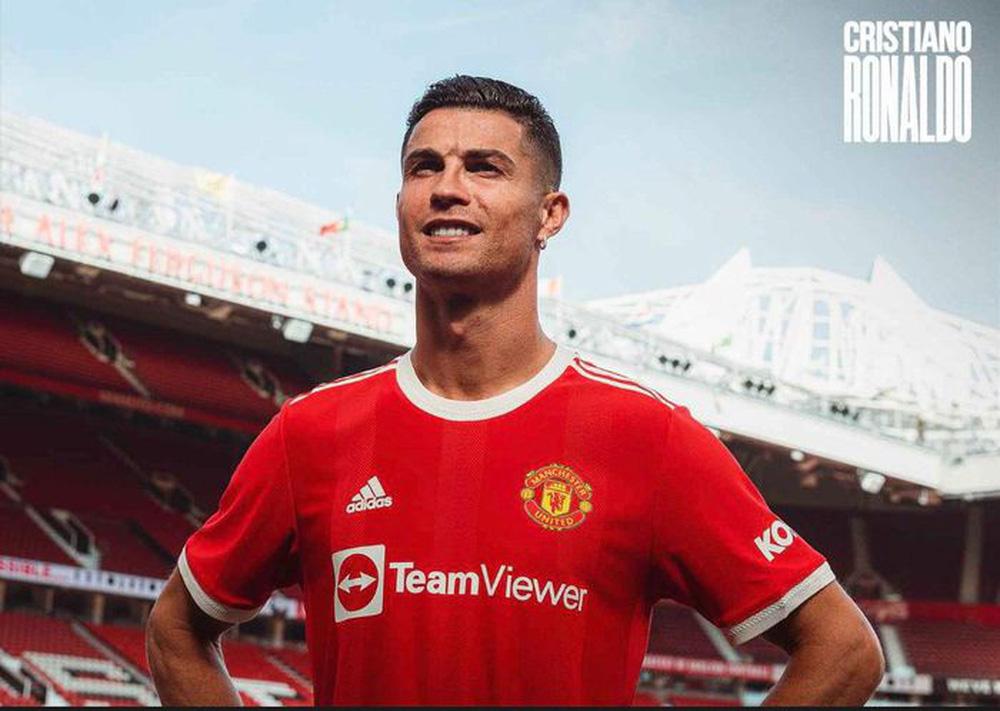 Chùm ảnh: Cristiano Ronaldo trở lại sân Old Trafford - Ảnh 5.