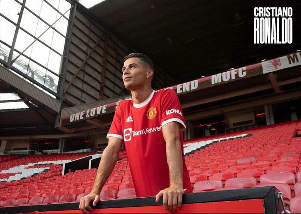 Chùm ảnh: Cristiano Ronaldo trở lại sân Old Trafford - Ảnh 8.