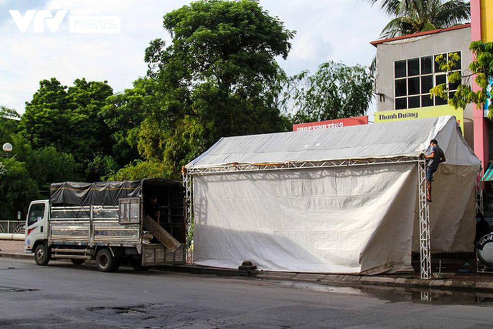 Lực lượng chức năng Hà Nội gỡ bỏ chốt kiểm soát ở 19 quận, huyện thuộc Vùng 1 - ảnh 4