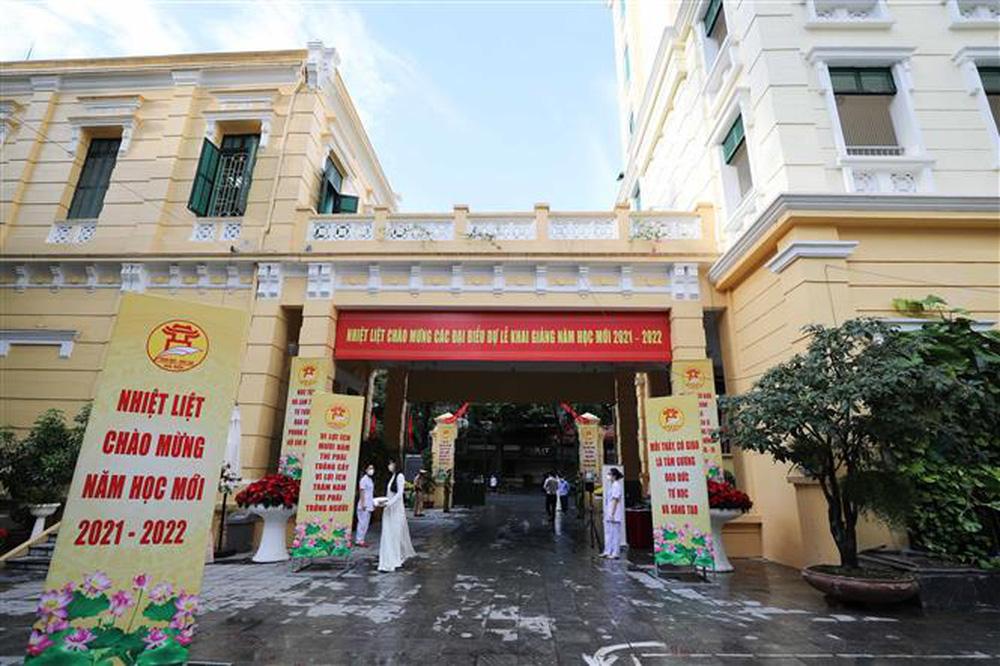 Ảnh: Lễ khai giảng năm học mới đặc biệt ở Hà Nội - Ảnh 2.