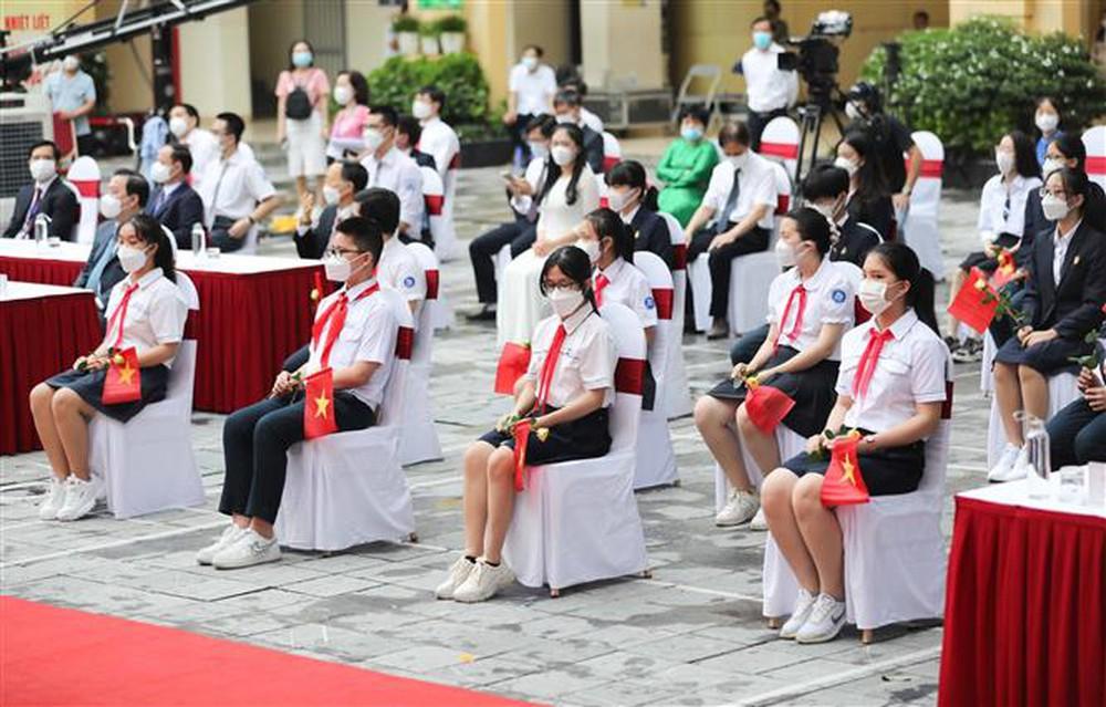 Ảnh: Lễ khai giảng năm học mới đặc biệt ở Hà Nội - Ảnh 18.