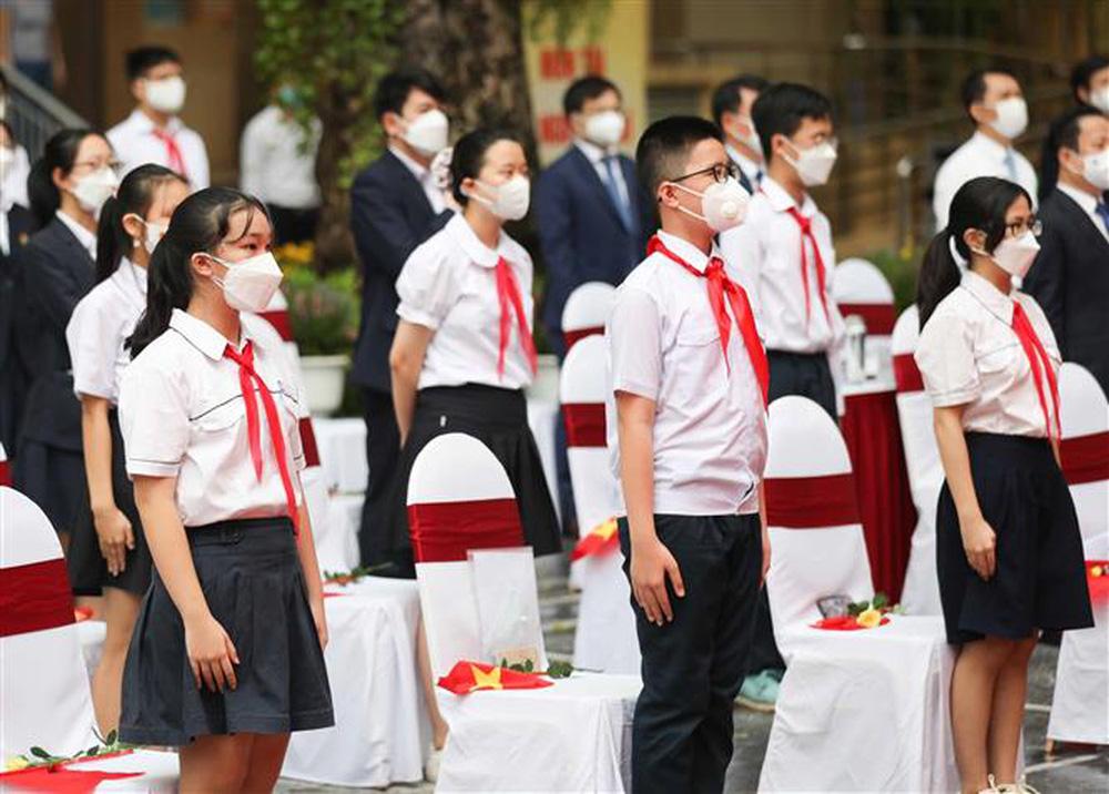 Ảnh: Lễ khai giảng năm học mới đặc biệt ở Hà Nội - Ảnh 8.