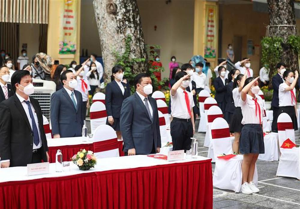 Ảnh: Lễ khai giảng năm học mới đặc biệt ở Hà Nội - Ảnh 7.