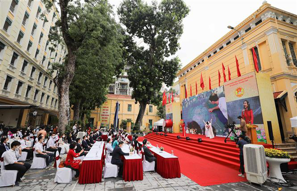 Ảnh: Lễ khai giảng năm học mới đặc biệt ở Hà Nội - Ảnh 11.