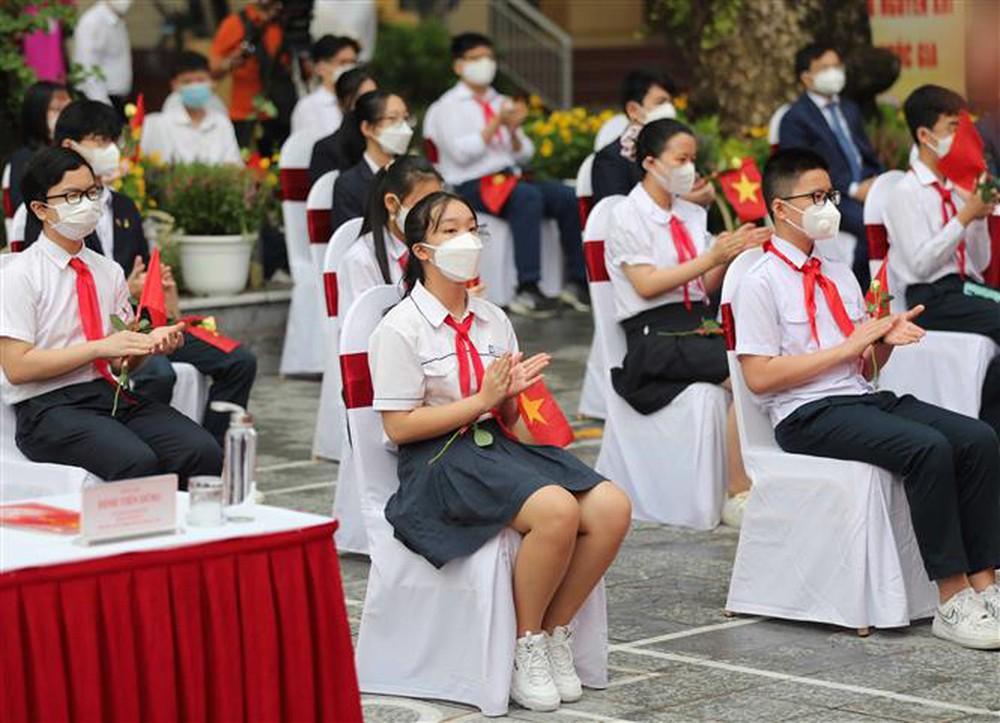 Ảnh: Lễ khai giảng năm học mới đặc biệt ở Hà Nội - Ảnh 16.