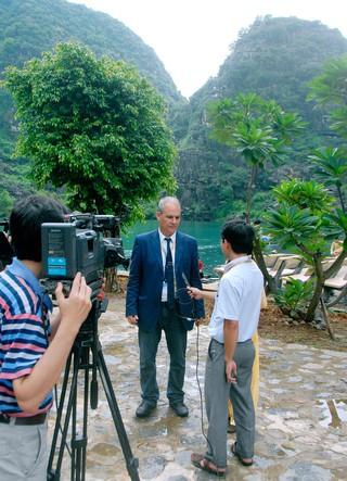 Phỏng vấn du khách quốc tế về Di sản Tràng An