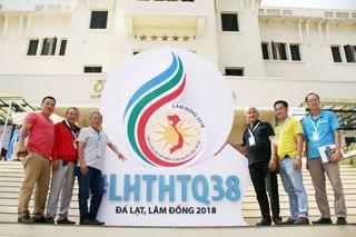 Đoàn đại biểu của Đài PT-TH Bình Phước check-in tại Liên hoan Truyền hình toàn quốc lần thứ 38